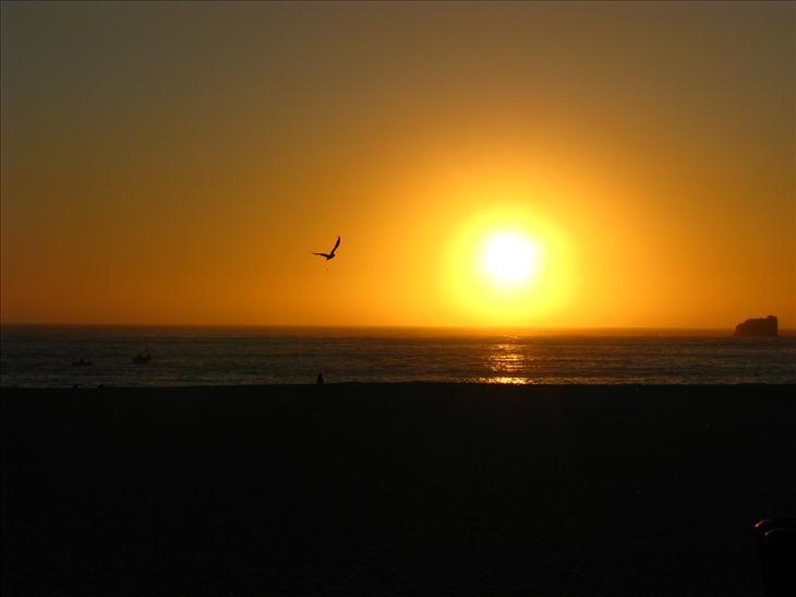 puesta de sol en nazar u00e9  portugal
